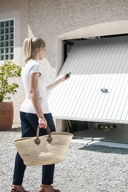 Portoni A Due Ante Per Garage Usato.Porte Garage Automatiche Serranda Elettrica Garage Somfy